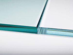 Осветленное стекло (сверхпрозрачное)